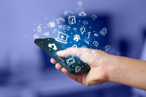 Mobile Facebook Applications - the future of Social Media
